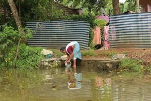 Direkt an den Backwaters leben auch viele Menschen